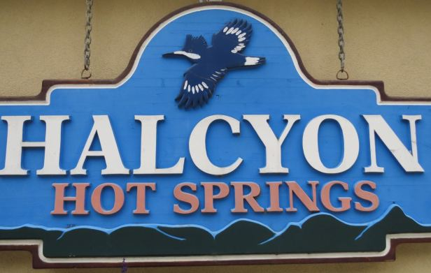 halcyon hot springs sign