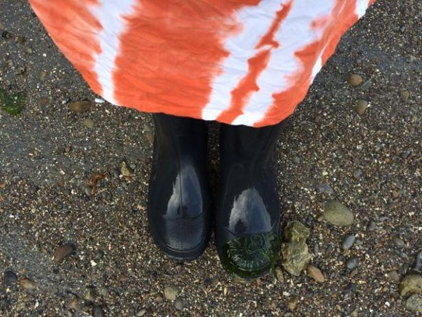 skirt & boots